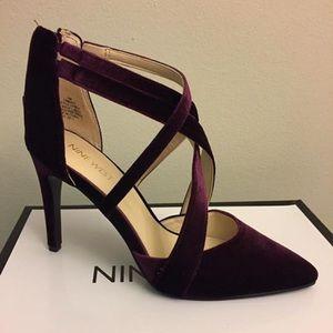 Nine West Stylish velvet heels